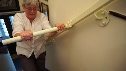 """超神奇的""""爬楼梯""""神器,80岁老奶奶爬楼都不在话下"""