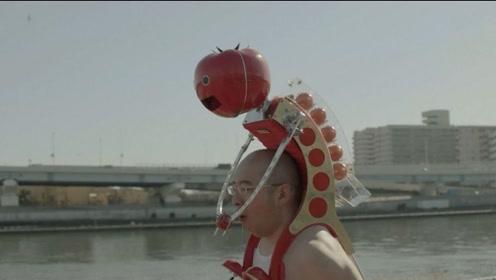 堪称最无聊的发明,日本小哥用它来吃小番茄,看的尴尬癌都犯了