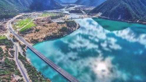 景色最迷人的高速公路,中途可以停留下来观景,全程不收取过路费