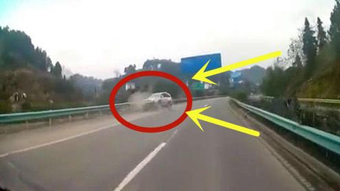 司机一定是疲劳驾驶,当他发现情况不对时,一切都晚了!