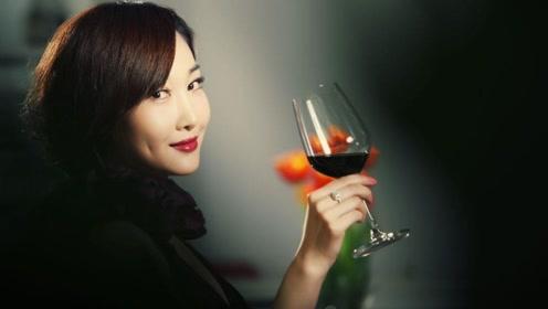 睡前喝杯红酒或白酒,可以帮助睡眠吗?辟谣只会让睡眠质量更差