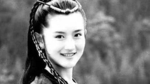 谢娜晒初登舞台旧照青春满溢 眼里全是快乐和兴奋
