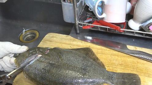 牙鲆鱼刺身切片,鱼肉光泽闪烁,新鲜至极!