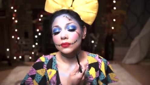 国外美女挑战圣诞夜莎莉妆容,你觉得有几分相似?