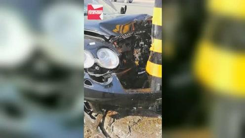 800多万没了!宾利一头撞路杆车辆报废,路人:保险公司都哭了