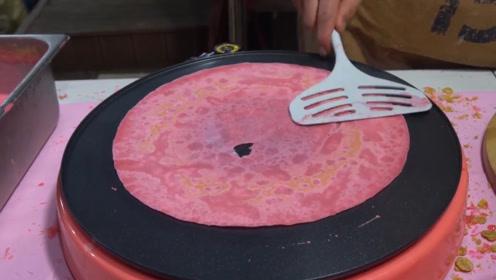 小伙街头卖漂亮小吃,10块1份,食客:樱花香味十足!