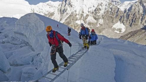 珠穆朗玛峰的中国梯,在海拔8700米上挺立33年,到底是谁带上去?