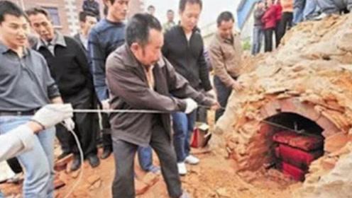 """江苏古墓挖出""""红棺材"""",开馆后看到墓主人,专家被惊到了"""