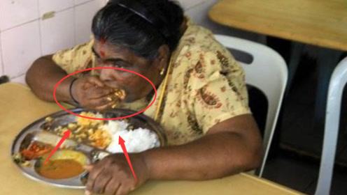 """印度人非常不解:为啥中国人要用筷子吃饭,用""""手抓""""着吃不行吗?"""