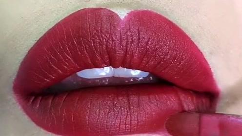 嘴唇太薄就适合画欧美唇妆,看着就性感十足特别美