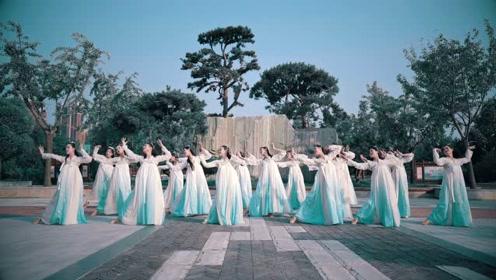 穿白裙跳《杨花落尽子规啼》,用舞蹈表达传统古诗词!