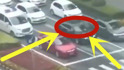 """监控拍下暖心一幕!豪车竟""""无视""""红绿灯,却只是为了给急救车让行!"""
