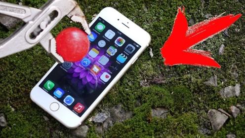 老外将高温金属球放在苹果手机上,网友:结果不忍直视,太土豪了!