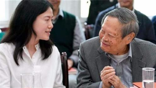 杨振宁比翁帆父亲大22岁,如何称呼自己的岳父?网友:好机智