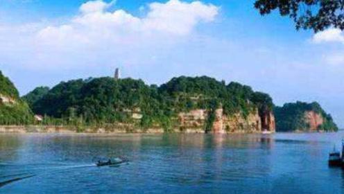 广东老人去乐山旅游,无意间拍下一张照片,获得景区280万奖励!