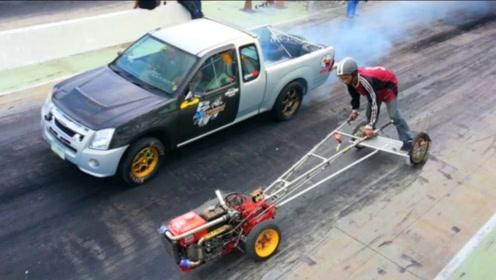 小伙驾驶手扶拖拉机挑战改装三菱,一脚油门后,谁才是最快?