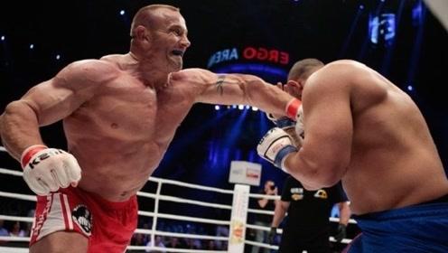 200斤世界大力士惨遭举重冠军KO,一击抱摔迅速倒地!