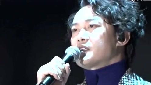陈奕迅开唱在即仍轻松聚餐,刘德华提前4月紧张准备,胜在年轻?