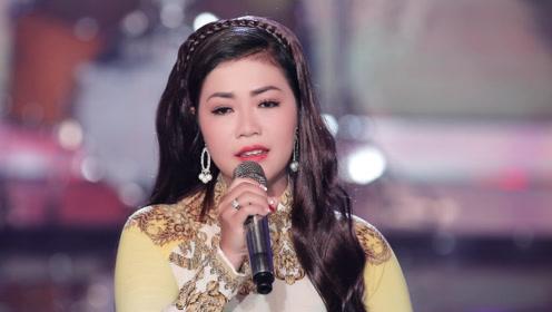 好听的越南歌曲《trngtàntrênhèphc》暗黑前传电影完整版图片