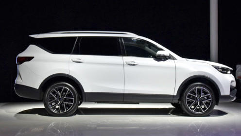 国产又一高性价比7座SUV!车长近4米9,售价8.88万完胜瑞虎8