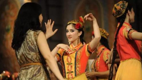 为什么新疆姑娘很少嫁到内地?当地美女说出真相,内地男性沉默了!