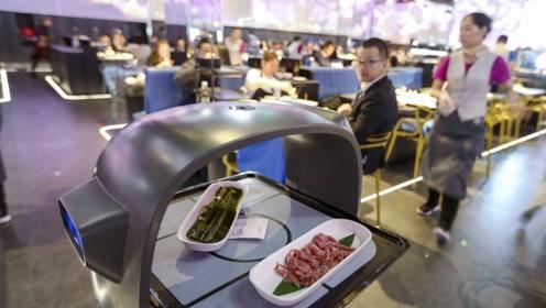 上菜最快餐厅,没有服务员一道菜10秒搞定,全程盘子满天飞