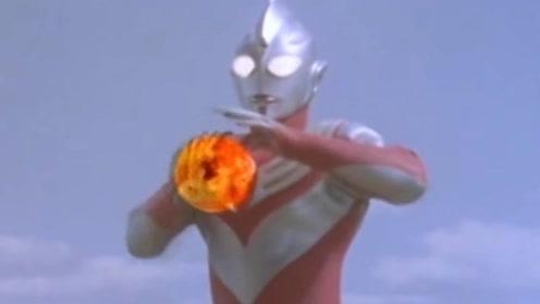 迪迦奥特曼大战蜈蚣型怪兽,保护世界!