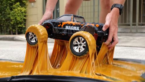 """超级胶水有多强?外国小哥用小汽车试验,终于懂什么叫""""寸步难行"""""""