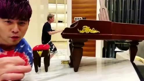 众所周知,周杰伦不止是位音乐天才,更是个幼稚鬼才!
