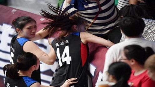 不光男篮打架凶猛,女排姑娘动起手来同样震撼,一拳打晕对手!