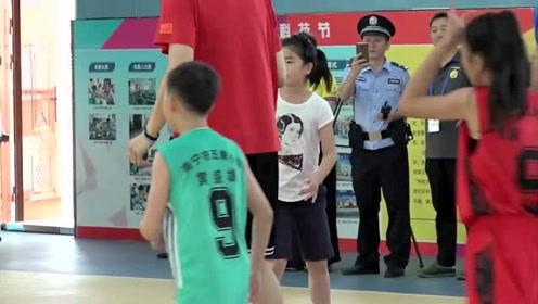 姚沁蕾身高太令人羡慕!网友:活了20多年,不如人家9岁的小姑娘高!