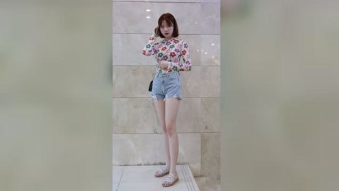 女孩都喜欢小蛮腰大长腿是吗?哈哈