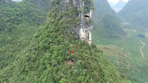 """壮观!这座山峰形如""""巨人""""肩膀上发现神秘古墓,难道暗藏玄机?"""