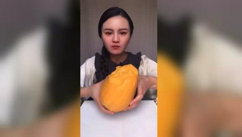 """比脸大的芒果,感觉怎么吃都找不到""""核""""!"""