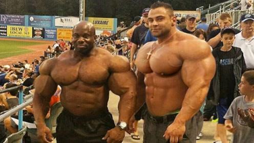 当肌肉怪兽走上街头,路人纷纷侧目,被肌肉身材折服