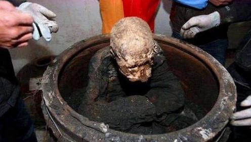 河南千年古寺发现神秘地宫,专家打开后,发现一位高僧枯坐其中!