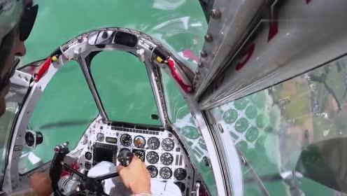 洛克希德P-38闪电飞行训练,真不愧是最漂亮的螺旋桨飞机