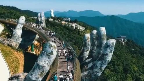 越南网红佛手桥大火,中国仿造也建了一座,网友:注定成为下一个网红打卡地