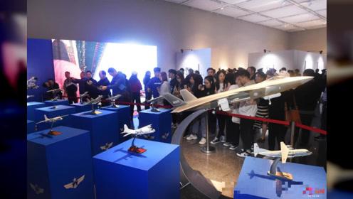 人民空军70年 去四川省美术馆看摄影展