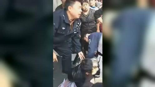 网传江西贵溪男子抢小孩事件 警方:那是他儿子