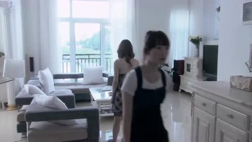 温柔的谎言:关上房间的门,杨桃缓缓走着,心事写在脸上