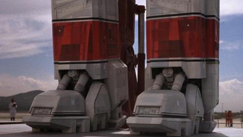 未来人造巨型机器人,双腿比大楼都高,战斗值爆表