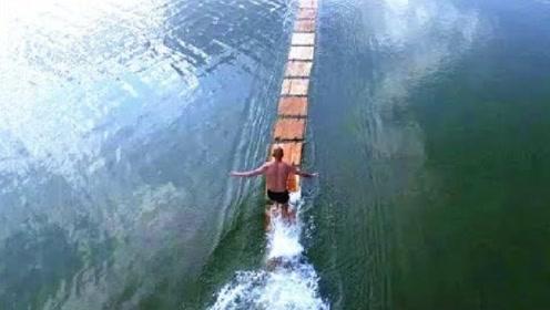 """少林武僧轻功""""水上漂"""",水中奔跑120米,打破世界纪录!"""