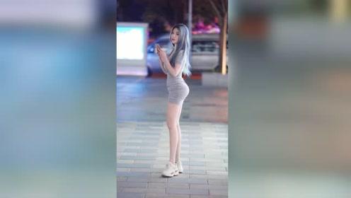 夜晚街头遇到的泰国小姐姐,这身材和颜值,你看了也会喜欢上吧?