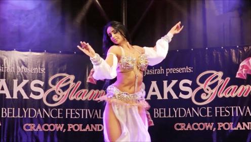 欧洲舞蹈大师一亮相就惊艳全场,网友:动作难度太大了