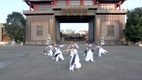 城门下的古典舞《叹云兮》