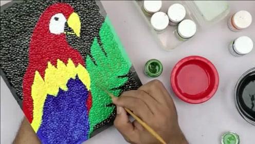 给泡沫板填充各种颜色,一只可爱的鹦鹉出现了!