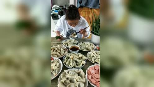 就吃个饺子至于这么说东北人吗!