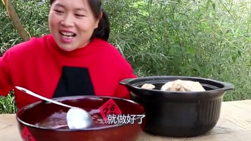 """3个椰子能做""""海南椰子鸡""""?胖妹尝试不同吃法,奶奶吃上瘾了!"""
