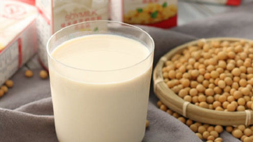 最大牛奶巨头跌落神坛!原因曝光让人傻眼,网友:太可惜了!